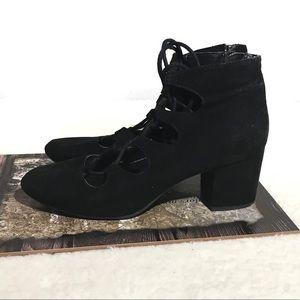 Mossimo Supply Co. Lace Up Chunky Heel Shoes 10